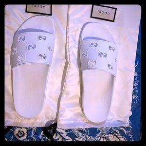 Women's rubber GG slide sandal size 9